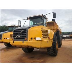 2005 VOLVO A40D ARTICULATING DUMP, VIN/SN:V12040 - CAB, A/C, 29.5R25 TIRES, METER READING 9,925 HOUR
