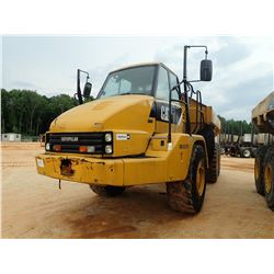 2011 CAT 725 ARTICULATED DUMP, VIN/SN:BIL02393 - CAB, A/C, 23.5R25 TIRES, METER READING 9,080 HOURS