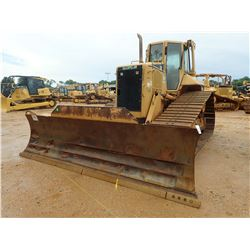 2004 CAT D6N LGP CRAWLER TRACTOR, VIN/SN:ALY00679 - 6 WAY BLADE, DIFF STEER, CAB, A/C, METER READING
