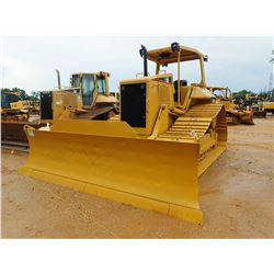 2005 CAT D6N CRAWLER TRACTOR, VIN/SN:ALY01835 - 6 WAY BLADE, DIFF STEER, CANOPY, METER READING 9,324