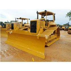 2004 CAT D6N LGP CRAWLER TRACTOR, VIN/SN:ALY01123 - 6 WAY BLADE, DIFF STEER, RIPPER VALVE, CANOPY, M