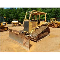 CAT D5M LGP CRAWLER TRACTOR, VIN/SN:3CR00989 - 6 WAY BLADE, CANOPY, SWEEPS, METER READING 8,381 HOUR
