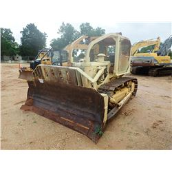 INTERNATIONAL TD15 CRAWLER TRACTOR, VIN/SN:1516U3233 - SEMI-U BLADE W/ TILT, SWEEPS, SCREENS