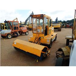 2004 ROSCO SW PRO BROOM, VIN/SN:482040443 - CAB, A/C, METER READING 1,433 HOURS