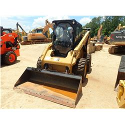 2015 CAT 262D SKID STEER LOADER, VIN/SN:DTB02832 - WHEELED, BUCKET, CAB, A/C, METER READING 3,559 HO