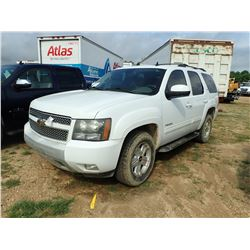 2011 CHEVROLET TAHOE Z71 VIN/SN:1GNSKBE09BR101860 - 4X4, V8 GAS ENGINE, A/T, ODOMETER READING 180,05