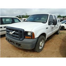 2006 FORD F250 PICKUP, VIN/SN:1FTSW20526EB51416 - CREW CAB, V8 GAS ENGINE, A/T, ODOMETER READING 271