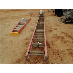 LOUISVILLE 40' FIBERGLASS EXTENSION LADDER - (B-9)