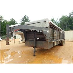 CIRCLE W LIVESTOCK GOOSENECK TRAILER, - TRI-AXLE, 28' LENGTH, BARN DOORS