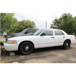 2007 FORD CROWN VICTORIA VIN/SN:2FAFP71W27X154616 - GAS ENGINE, A/T, ODOMETER READING 180,843 MILES