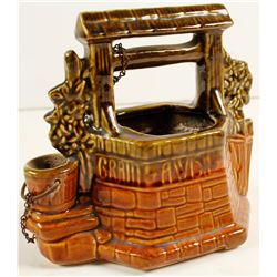 McCoy Ceramic Wishing Well  (81111)