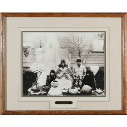 Photo Mounted of  Dat So La Lee & Family  (87879)