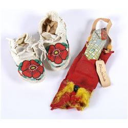 Paiute baby Moccasins & Toy  (87534)