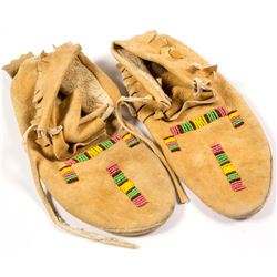 Beaded Moccasins   (56833)
