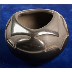 Santa Clara Blackware Pot  (90695)