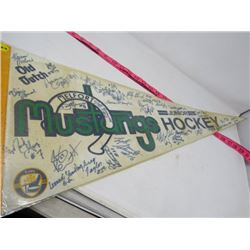 HOCKEY PENNANT (MELFORT MUSTANGS) *1991-92* (LAMINATED)