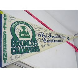 HOCKEY PENNANT (SWIFT CURRENT BRONCOS) *1989* (LAMINATED)