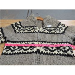 SIWASH SWEATER *NEVER WORN* *EXPERT HAND KNIT* (POCKETS IN FRONT; MENS LARGE)