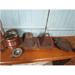 LOT OF 5 KITCHEN COLLECTIBLES (2 TOASTERS, SIFTER, WAFFLE IRON *HEART DESIGN* ETC)
