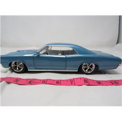 DIECAST CAR ('67 GTO) *1:18 SCALE*