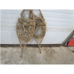SNOWSHOES (PRIMITIVE) REPAIRED MANY TIMES *GREAT WALL HANGERS*
