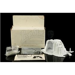 Lot # 137: Micro Collection Hoth Wampa Cave Prototype (En