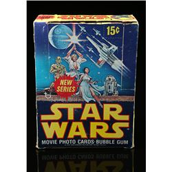 Lot # 622: Topps Star Wars Movie Photo Cards Bubble Gum (