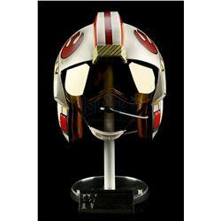 Lot # 687: Luke Skywalker X-Wing Pilot Helmet