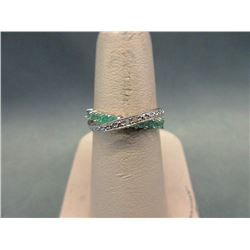 Diamond & Emerald Crossover Design Ring