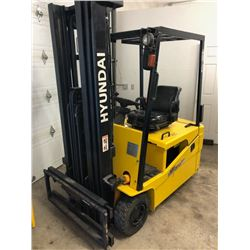 Hyundai Electric Fork Lift 3000lbs Tested (No battery & Charger)
