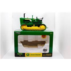 John Deere 2010 crawler Ertl 1:16 Has Box