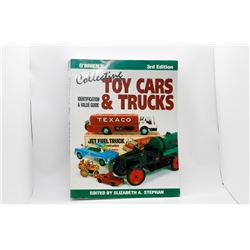 O'Brien's Collecting Toy Cars & Trucks Paperback