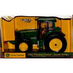 John Deere 7330 Premium tractor Ertl 1:16 Has Box