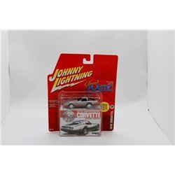 Johnny Lightning 1978 Corvette 1:64