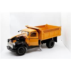 1946 Dump Truck working dump box and tailgate 1:16 Has Box