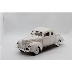 1940 Ford Sedan 1:18 No Box