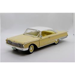 1960 Ford Starliner 1:18 No Box