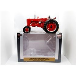 IH Farmall 300 Case WF tractor Highly Detailed 1:16 Has Box