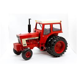 International Harvester 966 tractor Ertl 1:16 Has Box