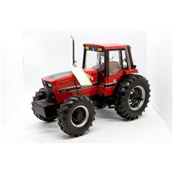 International Harvester 5488 #10 Precision Key Series 1:16 Has Box