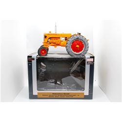 Minneapolis-Moline Highly Detailed model U diesel WF 1:16 Has Box