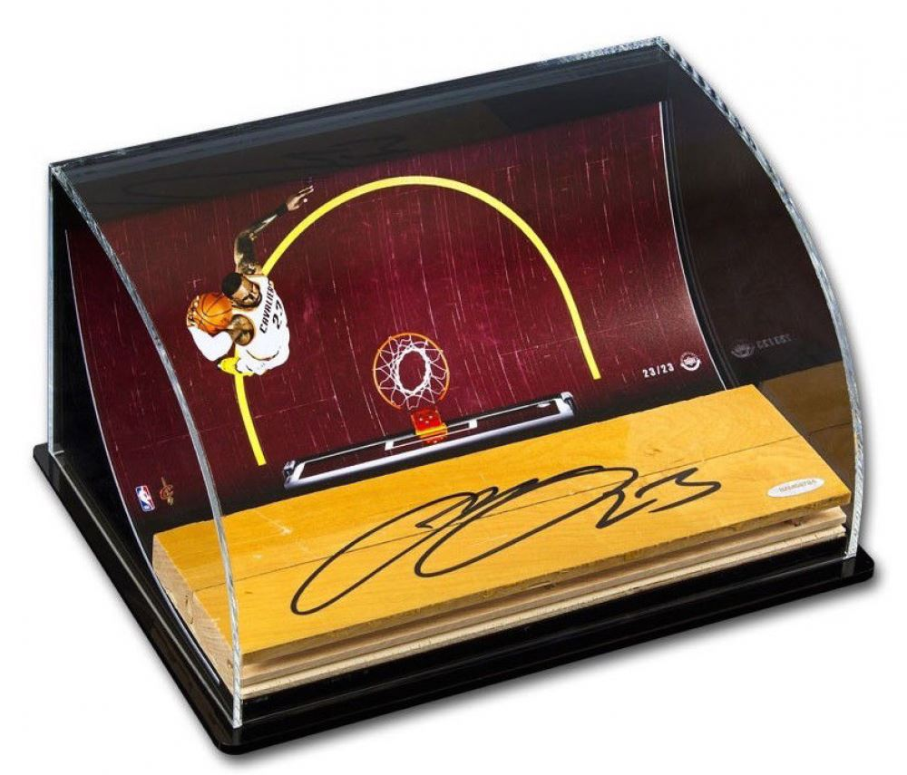 d2f9a2ca4dc Image 1   LeBron James Signed