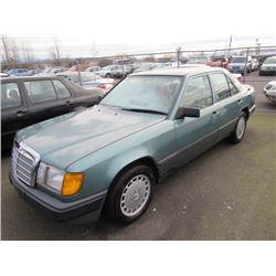 1987 Mercedes-Benz 260E