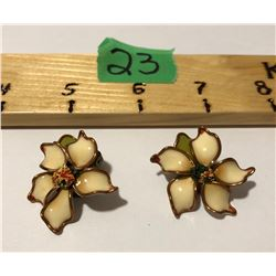 VINTAGE EARRING SET, FLORAL DESIGN