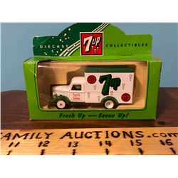 DIE CAST COLLECTIBLES 7UP DELIVERY TRUCK