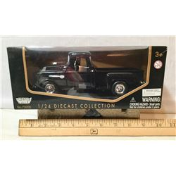 MOTOR MAX DIE CAST 1955 CHEV TRUCK, 1/24 SCALE - NEW IN BOX
