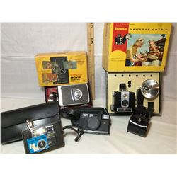 GR OF 4 VINTAGE CAMERAS. BROWNIE 8 MM, HAWKEYE, HANIMEX 35 MM, KEYSTONE EVERFLASH