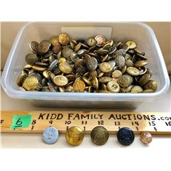 LARGE LOT OF MILITARY BUTTONS. MANY FROM WWII.