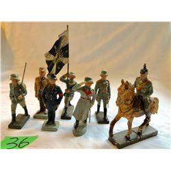 WW I LINEOL TOY SOLDIERS - 8 PIECES - GERMANY