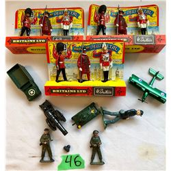 GR OF 11 MISC METAL TOY SOLDIERS